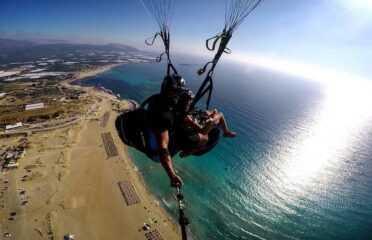 Διθέσια πτήση με parapente στα Φαλάσαρνα, Κρήτη