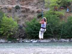 Εναέριο πέρασμα (Flying fox) στον Άραχθο