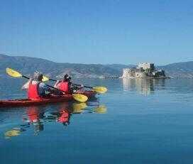 Βόλτα με θαλάσσιο Kayak στα Μεσαιωνικά κάστρα Ναυπλίου